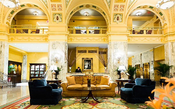 Heritage Hotel Nashville by Steve Thornton