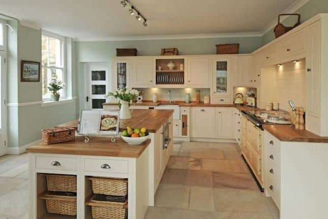 Spring Country Cottage Kitchen