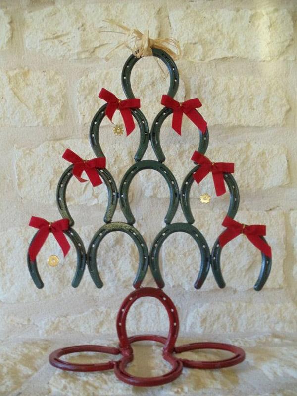 Impressive horseshoe christmas trees for Christmas tree made out of horseshoes