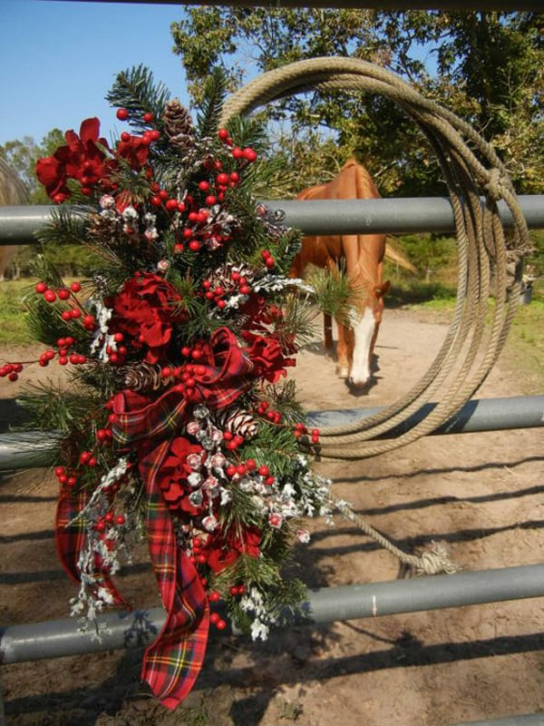 Red Christmas Bows For Outdoors