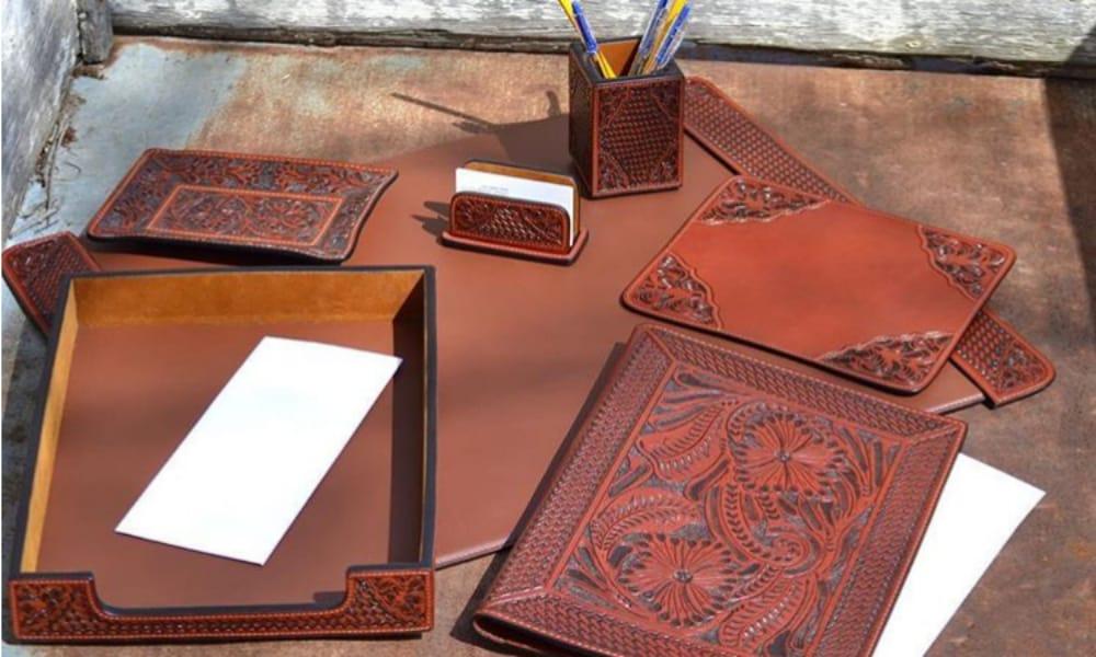 3d belt company work desk set cowgirl magazine