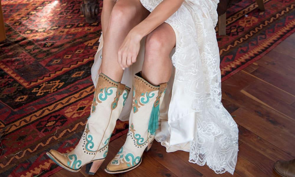 Kaci Riggs Cash Myers Cowboy Wedding Junk Gypsy Wander Inn Cowgirl Magazine