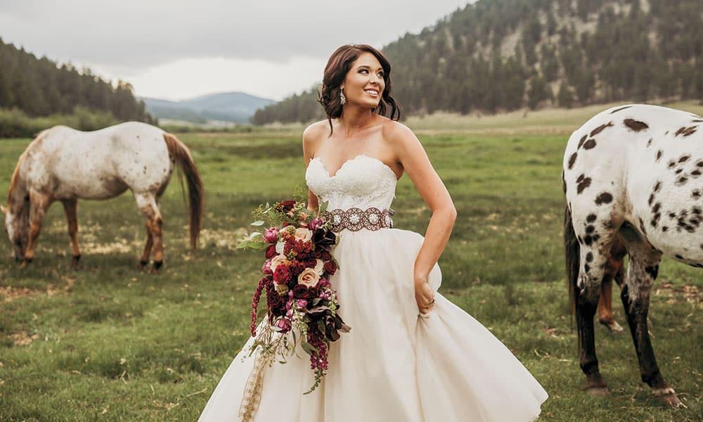 A Western Chic Wedding Cowgirl Magazine