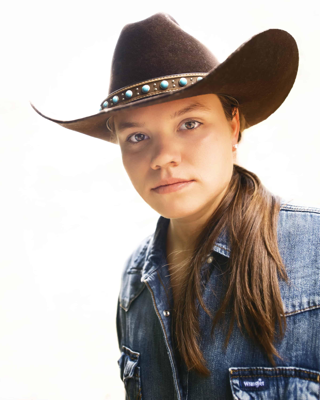 female farrier cowgirl magazine